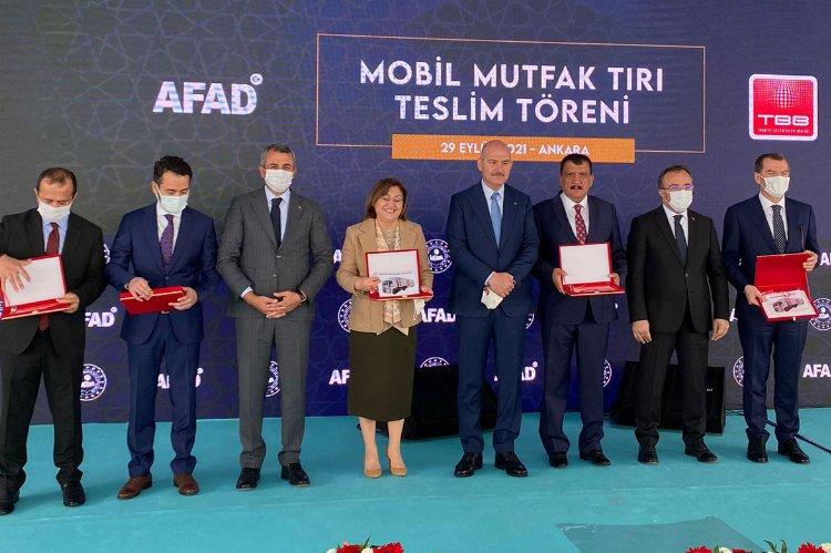 Mobil mutfak tırları AFAD'a teslim edildi
